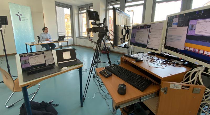 Live aus dem Konferenzstudio an der EVHN: Sebastian Ottmann