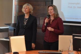 von rechts Prof. Dr. habil. Magdalena Piorunek, Prof. Dr. Helene Ignatzi